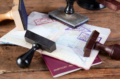Co zrobić, gdy stracisz dokumenty za granicą?