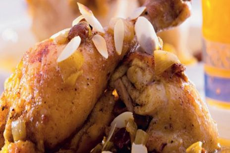 Kurczak z sosem rodzynkowym