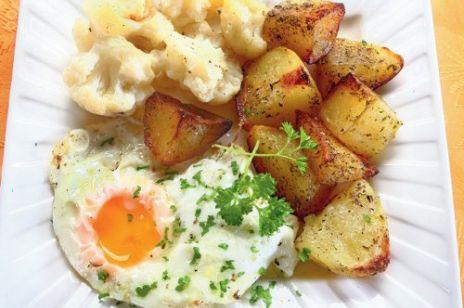 Ziemniaki z sadzonym jajkiem
