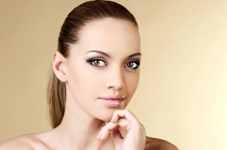 Makijaż - jak wyglądać na bogatą