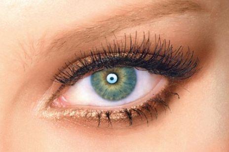 Jak wykonać makijaż smoky eye