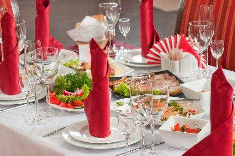 Wokół stołu - sztuka eleganckiego jadania