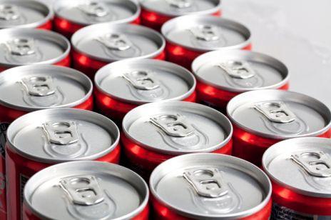 Napoje energetyzujące. Czy możemy pić je bez obaw?
