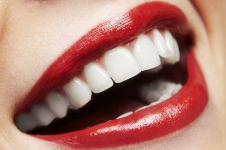 Sennik - zęby