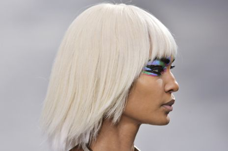 Kolorowy makijaż z pokazu Chanel