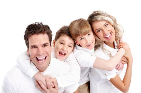 Dentysta dla całej rodziny – jak znaleźć odpowiedniego dla dzieci i rodziców?