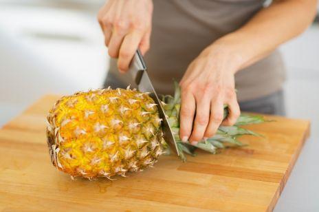 Jak obierać i kroić ananasa?