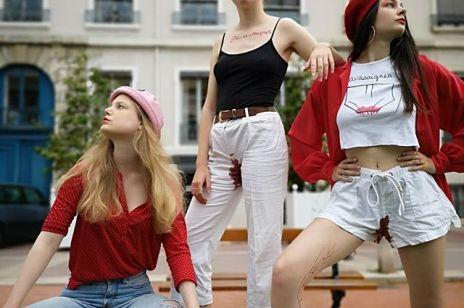 """Miesiączka stała się """"modna""""? W sieci coraz więcej zdjęć pobrudzonych krwią ubrań"""
