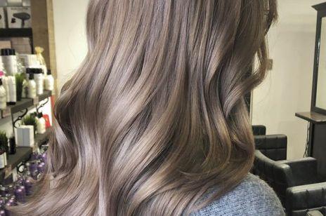 """""""Mushroom blond"""" to najmodniejszy kolor włosów na lato"""