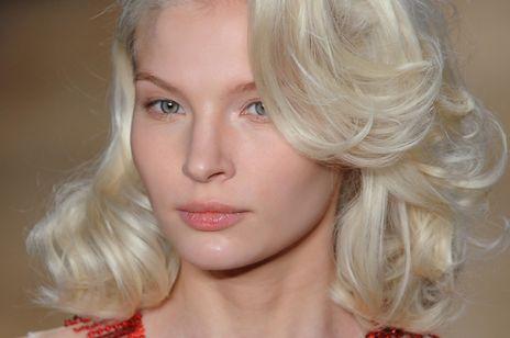 Bardzo jasny blond