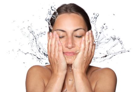 Jak skutecznie nawilżać skórę
