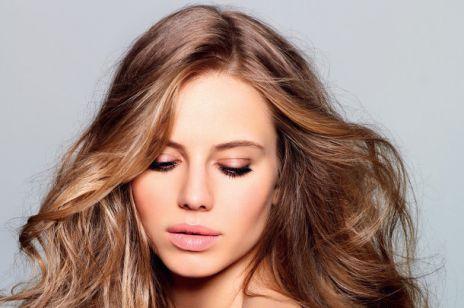 Proste czy kręcone - propozycje stylizacji włosów