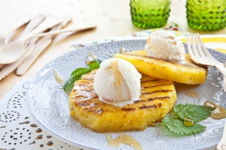Gruszki i ananas z lodami