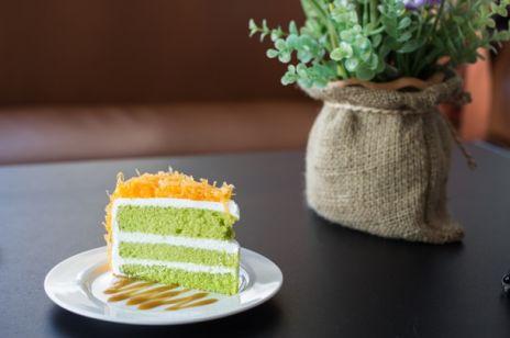 Ciasta na Wielkanoc z owocami z puszki?