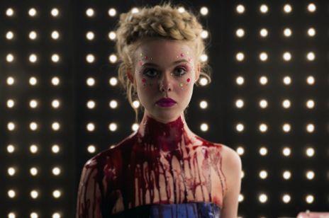 ELLE FANNING jako mordercza modelka w NEON DEMON