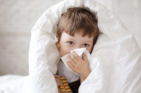 8 rzeczy, których nie wiedziałaś o katarze u dziecka