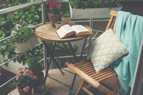 Jak urządzić balkon na lato? Okiem eksperta