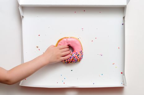 Detoks cukrowy. Ratunek przed jesiennym podjadaniem słodyczy!
