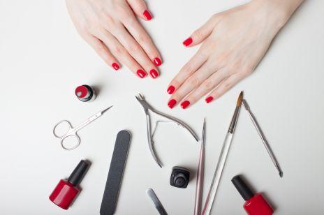 Manicure HYBRYDOWY: jak go zmyć samej w domu?