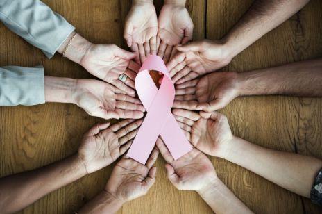 """Światowy dzień walki z rakiem: W Polsce ruszył program """"Badamy Geny"""" - uchroni nas przed chorobą?"""