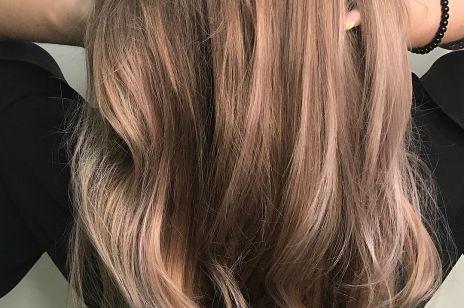 Zapomnij o szarych włosach: oto najmodniejszy odcień BLONDU 2018