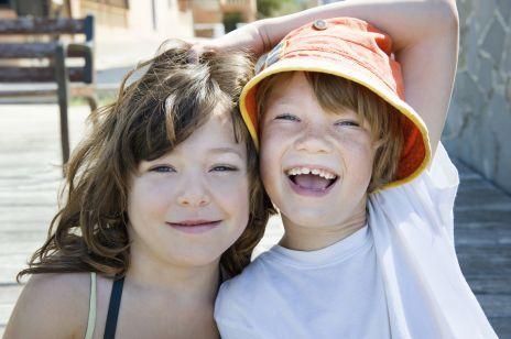 Starsze rodzeństwo jest bardziej inteligentne? Nowe badania!