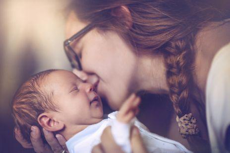 10 zdań, których NIE WOLNO mówić młodej mamie