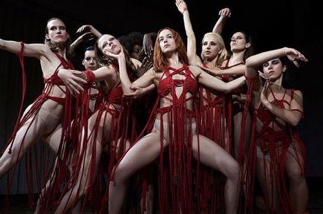 """""""Suspiria"""": pełen erotyki horror to najbardziej wyczekiwana premiera jesieni!"""