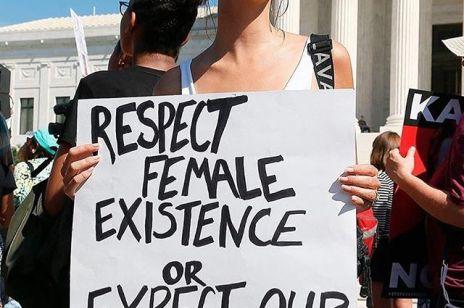 Porażka środowisk kobiecych w USA. Czy prawa kobiet będą zagrożone?