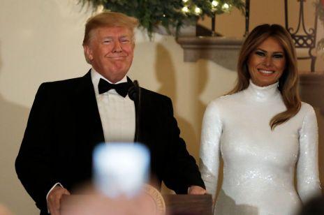 Melania Trump i Donald Trump na oficjalnym świątecznym portrecie: podoba wam się?