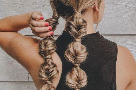 Bąbelkowe warkocze - super modna fryzura, która zajmie ci 5 minut