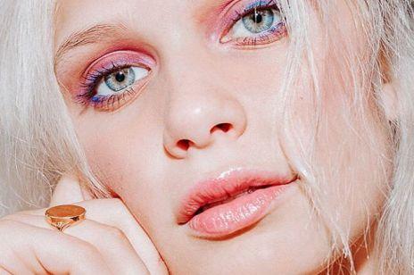 Airbrush makeup – czyli makijaż natryskowy. Ten nowy trend podbija internet!