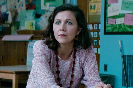"""Maggie Gyllenhaal – od sekretarki do przedszkolanki. Jej rola w """"Przedszkolance"""" zachwyciła krytyków"""