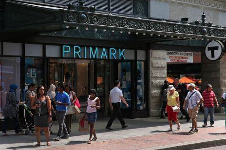 Znana marka odzieżowa rozpoczyna działalność w Polsce: kiedy otwarcie pierwszego sklepu?