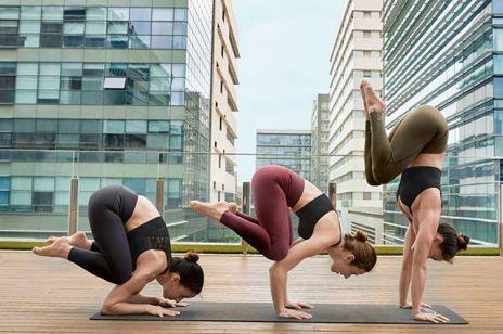 Piękne zdjęcia sportowej kampanii Oysho zachęcają do jogi i pilatesu