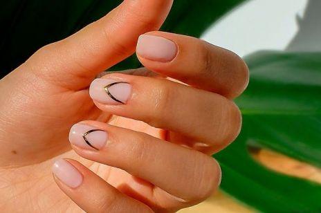 Modny manicure na jesień 2019: błyszczące, krótkie paznokcie dla fanek minimalizmu z charakterem