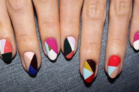Modne paznokcie na jesień: geometryczny manicure zachwyci nie tylko fanki lat 70.