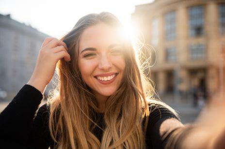 Najskuteczniejsze sposoby na białe zęby - co warto zrobić, aby mieć piękny uśmiech?
