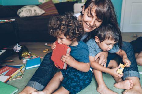 """To ważna lekcja dla każdego rodzica: Jak zmienić myślenie, że wcale nie muszę być """"idealną matką"""""""