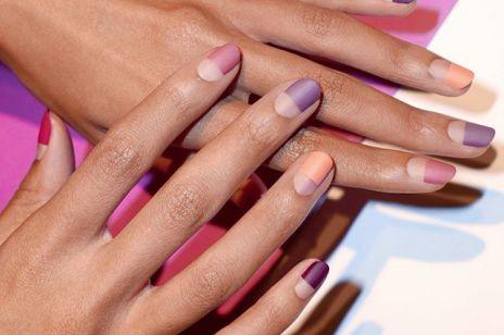 Manicure żelowy, czy akrylowy? Który z nich niszczy paznokcie?