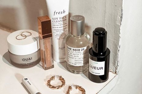 3 bezdyskusyjne kosmetyki, które musisz mieć w łazience jeśli chcesz opóźnić zmarszczki