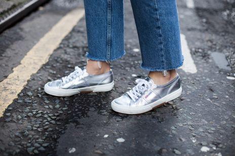 Trendy moda wiosna 2020: modne sportowe buty na nowy sezon