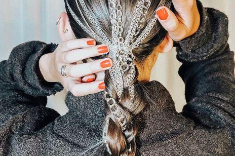 Największy wróg gładkich włosów ujarzmiony. Jak rozczesać kołtun?