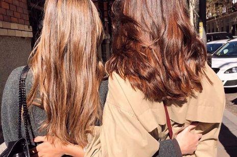 Najlepsze sposoby na lśniące włosy. Zabiegi i kosmetyki na każdą kieszeń
