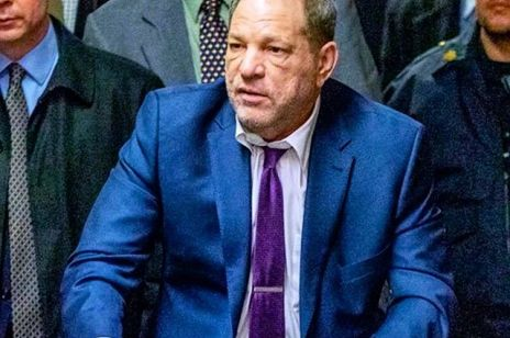 Harvey Weinstein trafi do więzienia na 23 lata: producent filmowy usłyszał wyrok za gwałt i napaść seksualną