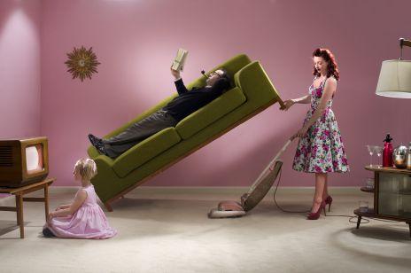 On nie sprząta w domu? Szwedzki rząd ma pomysł na wsparcie kobiet