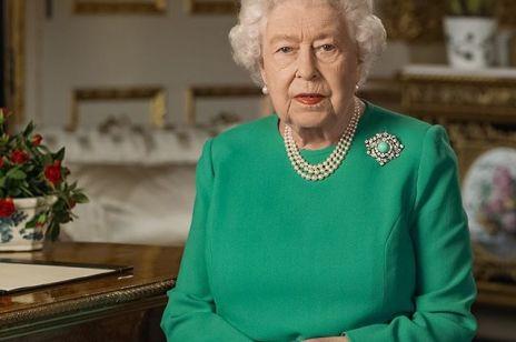 """Królowa Elżbieta II do Brytyjczyków: """"Lepsze dni powrócą, odniesiemy sukces"""""""