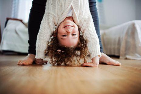 Ćwiczenia i zabawy relaksujące dla dzieci: to genialny sposób na wyciszenie dla całej rodziny [OKIEM EKSPERTA]