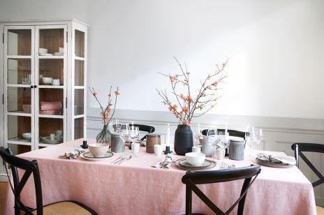 Jak udekorować stół na Wielkanoc w modnym stylu wabi-sabi?