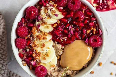 Czy owsianka wspomaga odchudzanie? 5 przepisów na zdrowe śniadanie
